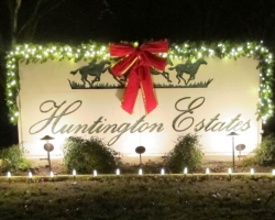 Huntington Estates Entry Sign Holiday Lights